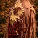 Autumn leaf bustle